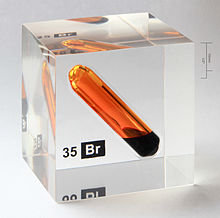 220px-Bromine_vial_in_acrylic_cube